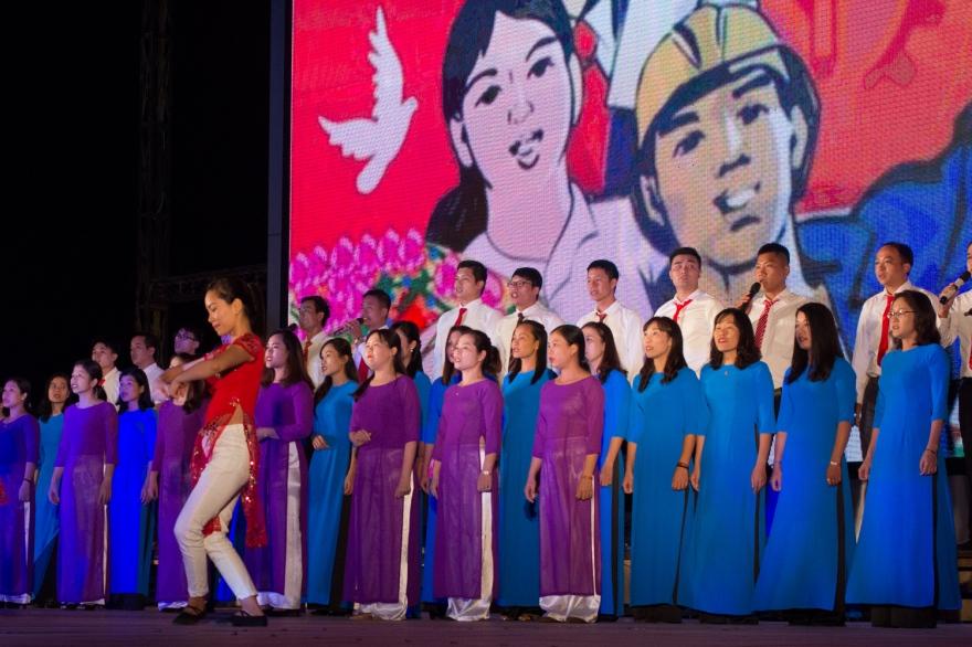 2017-10-VIETNAM-Cat Ba-Trang-représentation services publics-AP- (12)