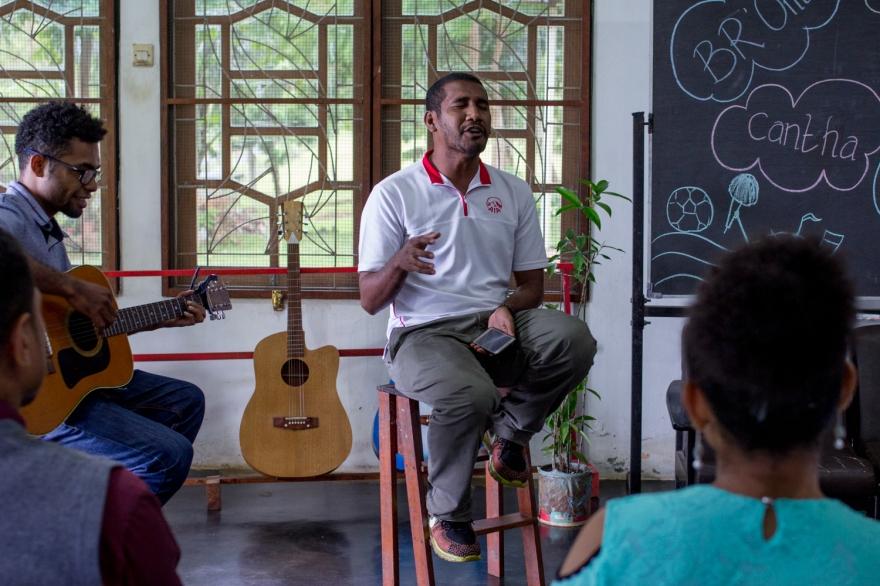 03-2018-03-INDONESIE-Papouasie-Jayapura-au centre d'anglais-avec la classe de Charly-AP (7)